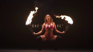 Kwamz & Flava - She's On Fire (OFFICIAL MUSIC VIDEO)