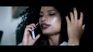 Mr Eazi - Feelings (OFFICIAL MUSIC VIDEO)