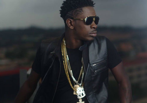 VIDEO: Shatta Wale Slaps His Bodyguard After a Fan Jumped On Stage