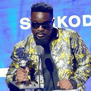 Sarkodie wins maiden BET Best International Flow award