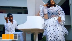 VIDEO: Sista Afia - Paper (feat. Victor AD)