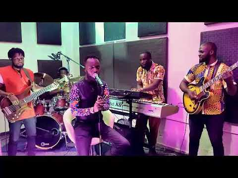 VIDEO: Akwaboah – I Do Love You (Live Session)